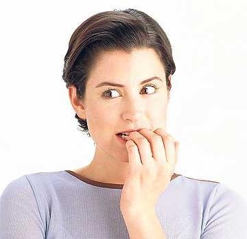 Жест обмана - Пальцы во рту