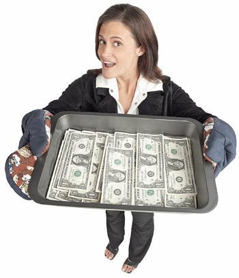 Деньги на подносе