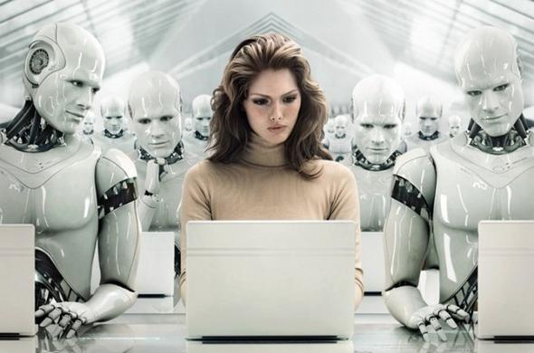 Женщина среди роботов