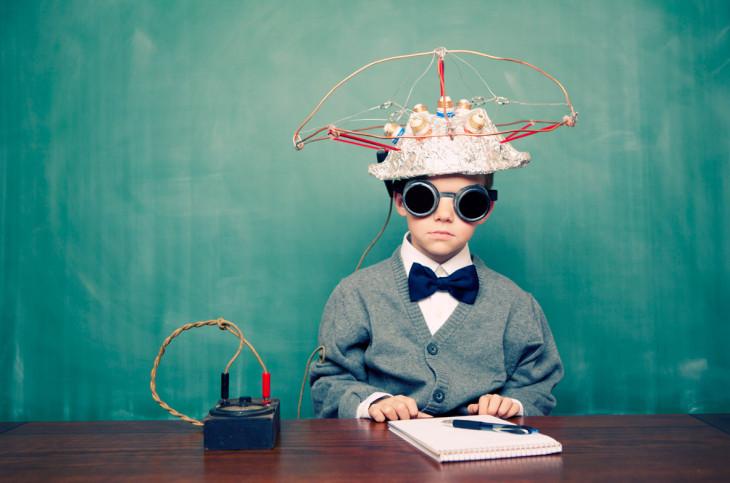 Ребенок пытается читать мысли